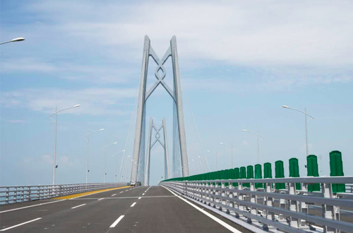 選擇1: 私人包車經大橋